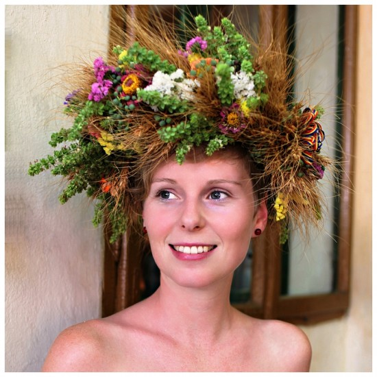 Gorgeous headpiece! Wish you could smell it!